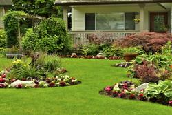 House With Beautiful Yard And Flowers Marietta